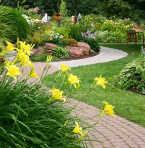 VolImage1 293x300 Landscaping Makes a Difference – Tips for Sprucing Up Your Property